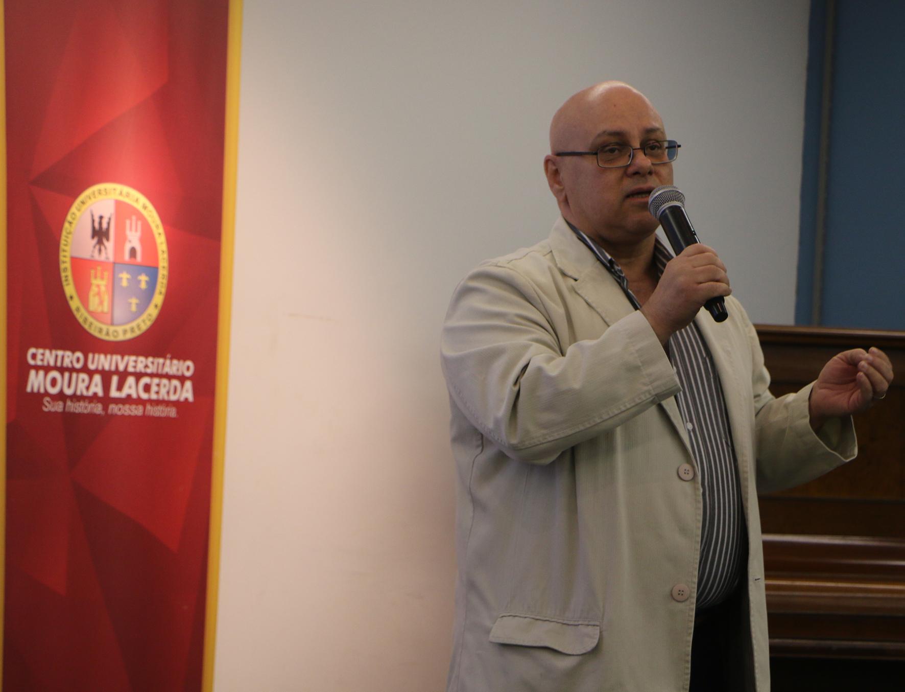 Aula Magna resgata a história da Educação Sexual no  Brasil e destaca sua importância para a Educação Básica